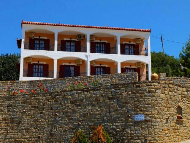 "APARTMENTS ""AGNADIO"" – FOINIKOUNDA MESSINIA"